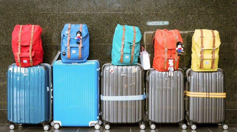 Pakowanie ubrań w podróż